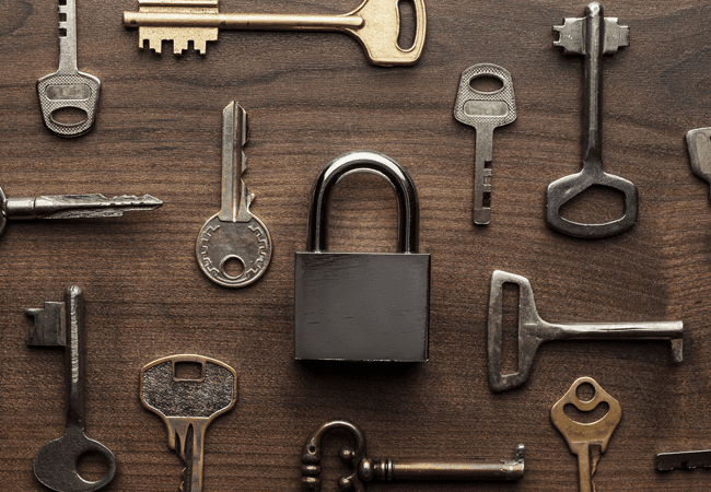 keys and lock image